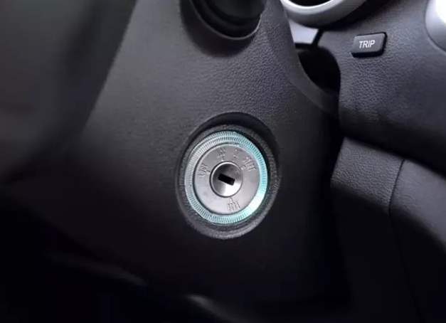 汽车蓄电池也很脆弱汽车维修加盟告诉你不要这么蹂躏它