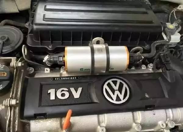 产品安装在汽车的油箱与发动机之间的进油管上,并不改变车的任何零
