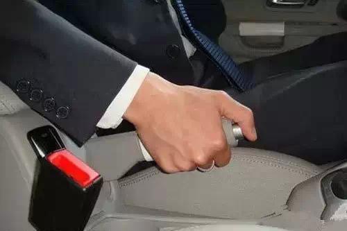 汽车维修连锁店加盟 手刹的正确使用方法,你知道吗