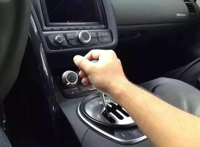 汽车维修加盟店|手动挡汽车驾驶的坏习惯,新手最容易中招