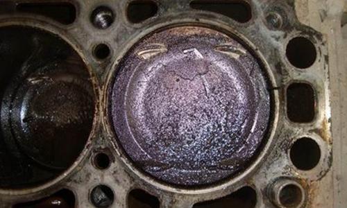 汽车维修店之怎样清除发动机积碳?